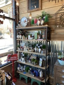 Artful Ellijay Holiday Decorations